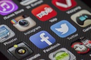 gestion de los perfiles sociales: twitter, facebook, google plus, instagram...redes sociales