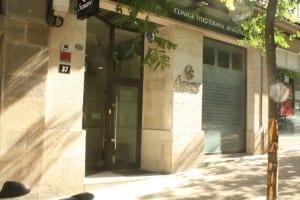 Rotulación de fachada clínica Sanare en Vigo