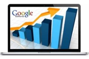Flecha escalando posiciones gracias a los anuncios de google adwords