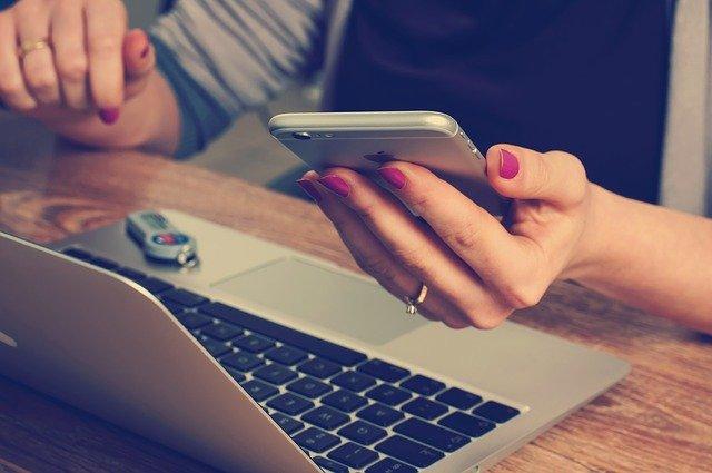 Preferencias de uso de pc o smartphones para elegir negocios locales.